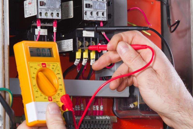 Comment protéger le réseau électrique contre les surtensions ?