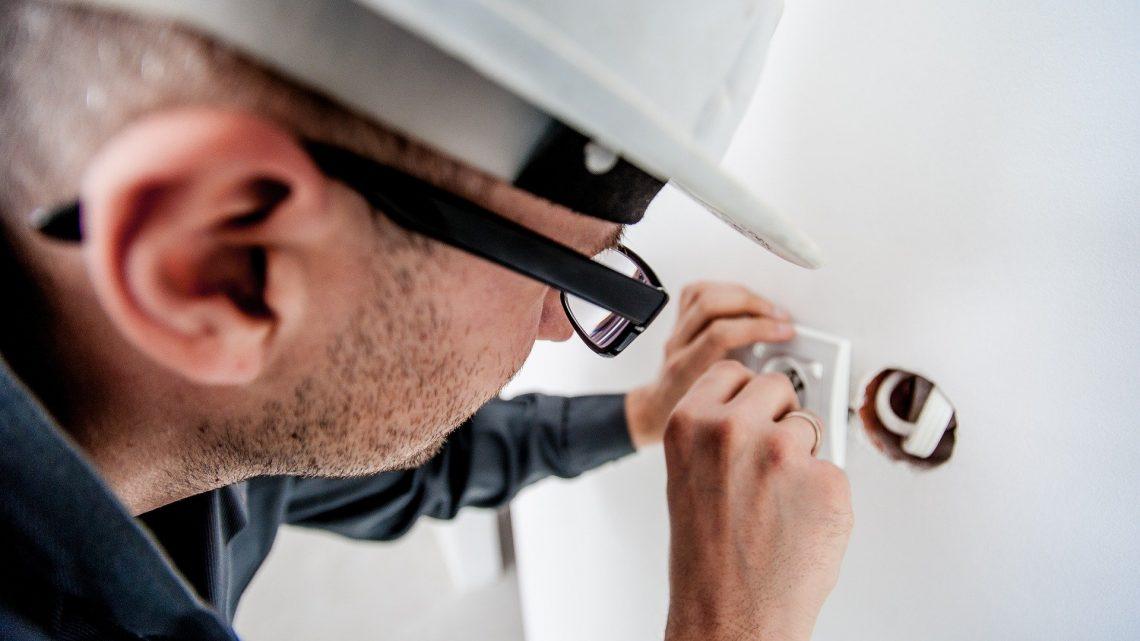 Réglementation applicable en matière d'habilitation électrique