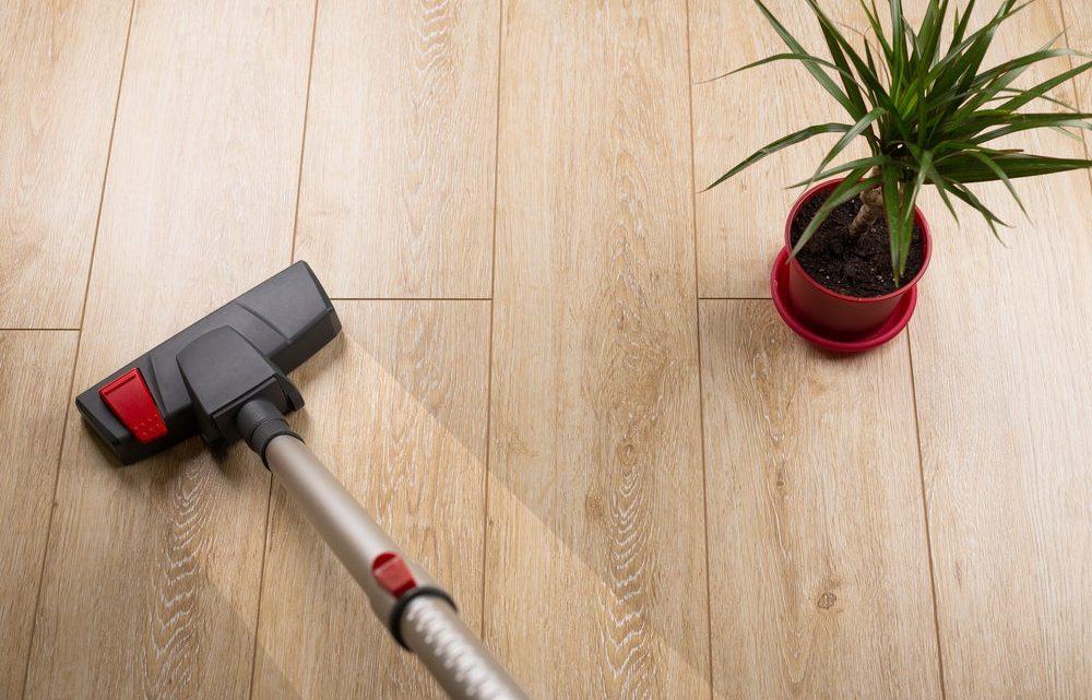 Comment entretenir une maison avec un parquet en bois?