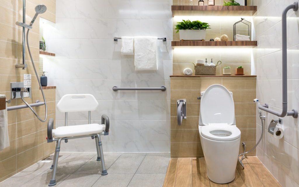 Conseils pour aménager correctement une salle de bain PMR