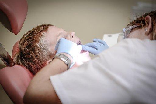 Est-ce que c'est cher d'aller chez un dentiste à Genève ?